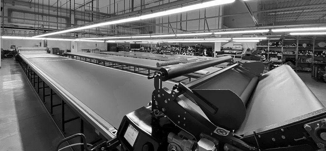 Lavorazioni su macchine per abiti